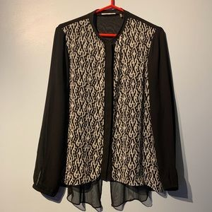 Tahari Long Sleeves Buttons Down Blouse
